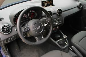 audia1interieur-301x200